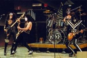 Kiss 1975